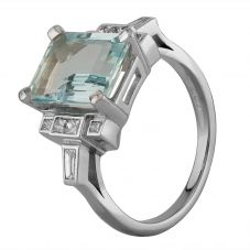 Second Hand 18ct White Gold 5.00ct Aquamarine and 0.48ct Diamond Ring W605106(450)