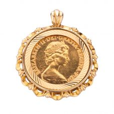 Second Hand 1982 Queen Elizabeth Half Sovereign Pendant 4156878