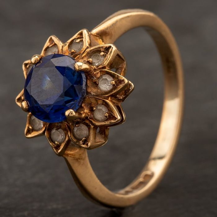 Second Hand 9ct Yellow Gold Blue and White Spinel Cluster Ring