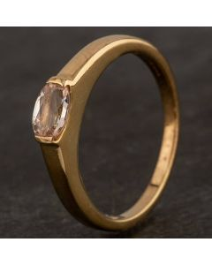 Second Hand 9ct Yellow Gold Oval Morganite Single Stone Ring