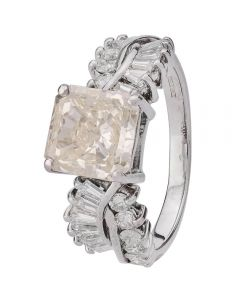 Second Hand 18ct White Gold Radiant Cut Diamond Ring