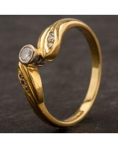 Second Hand 18ct Yellow Gold Diamond Twist Ring 4133784