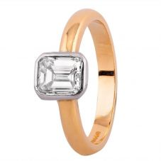 Second Hand 18ct Yellow Gold 0.90ct Baguette Cut Diamond Solitaire Ring