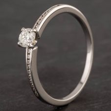 Second Hand Mastercut 18ct White Gold Diamond Solitaire with Diamond Shoulders Ring