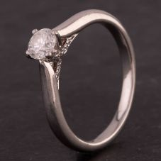 Second Hand Platinum Diamond Four Claw Solitaire Ring
