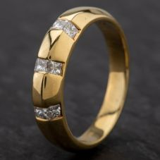 Second Hand 18ct Yellow Gold Princess Cut Diamond 9 Stone Set Band Ring