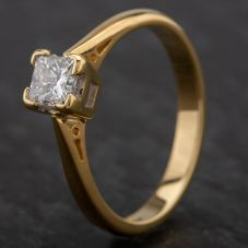 Second Hand 18ct Yellow Gold Princess Cut Diamond Single Stone Ring