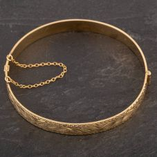 Second Hand 9ct Yellow Gold Half Engraved Hinged Bangle