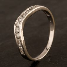 Second Hand 9ct White Gold Diamond Half Eternity Wishbone Ring