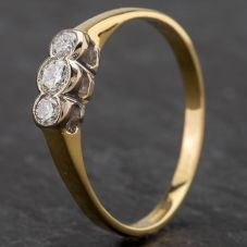 Second Hand 18ct Gold Diamond 3 Stone Rubover Setting Ring