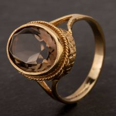 Second Hand 9ct Yellow Gold Oval Smokey Quartz Dress Ring