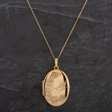 "Second Hand 9ct Gold Bird Engraved Locket On 18"" Close Curb Chain"