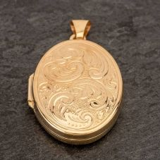 Second Hand Oval Locket 4166451