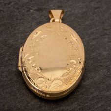 Second Hand 9ct Yellow Gold Oval Engraved Loose Locket