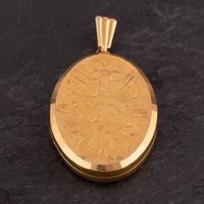 Second Hand Oval Engraved Locket 4166586