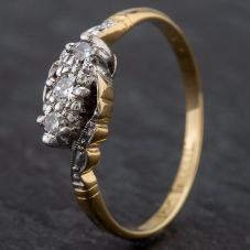 Second Hand Plat Set Diamond 3 Stone Crossover Ring