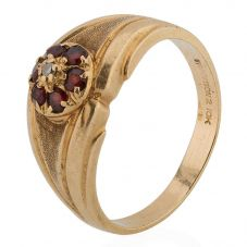 Second Hand 9ct Yellow Gold Garnet and Diamond Cluster Ring 4311043