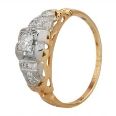 Second Hand Yellow Gold Vintage Style Diamond Solitaire with Diamond Shoulders Ring