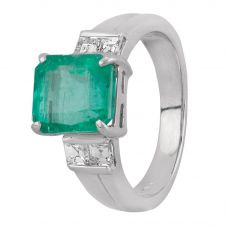 Second Hand Platinum 3.60ct Emerald and Diamond Shoulders Ring GMC(113/8/1)